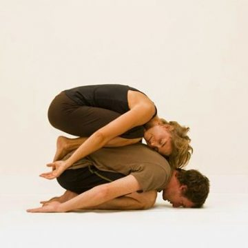 Couples Yoga Poses to Strengthen Your Health